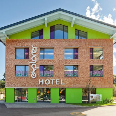 Explorer Hotel Oberstdorf - Sommer Aussenansicht_Oase