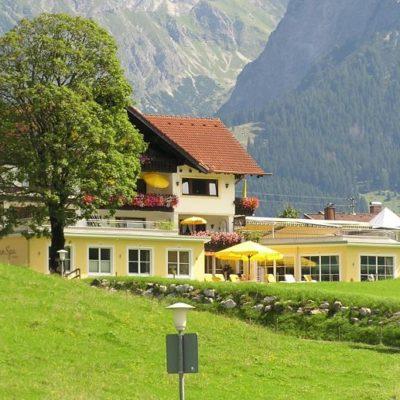 Wohlfuehlhotel_Berwanger_Hof-Obermaiselstein-Aussenansicht-2-31238