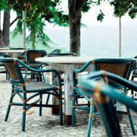 piazzale-terrazza-sedie-1400x933