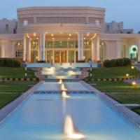 Hilton_Oman_Paragliding_Oase (1)